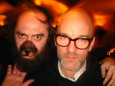 Mikel con Michael Stipe